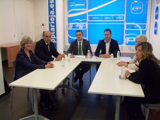 Reunión entre el PP y el Colegio de Procuradores de La Rioja