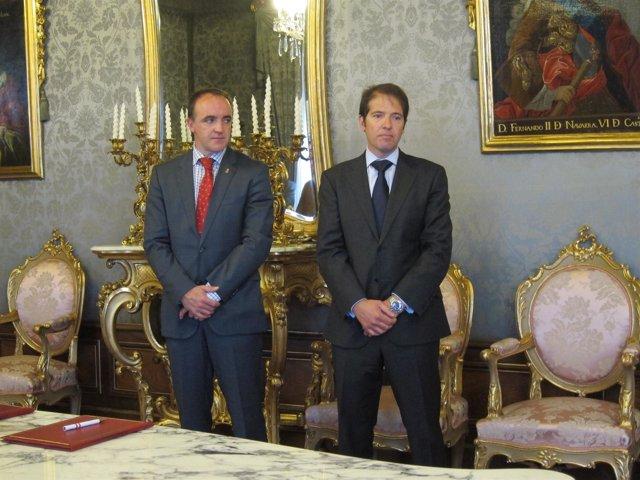 José Javier Esparza y Oscar Martín en el acto