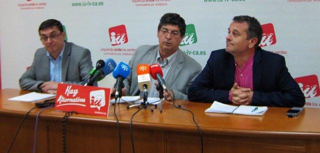 José Luis Centella, Diego Valderas y José Antonio Castro, hoy en rueda de prensa