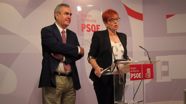 González Tovar y García Retegui en rueda de prensa