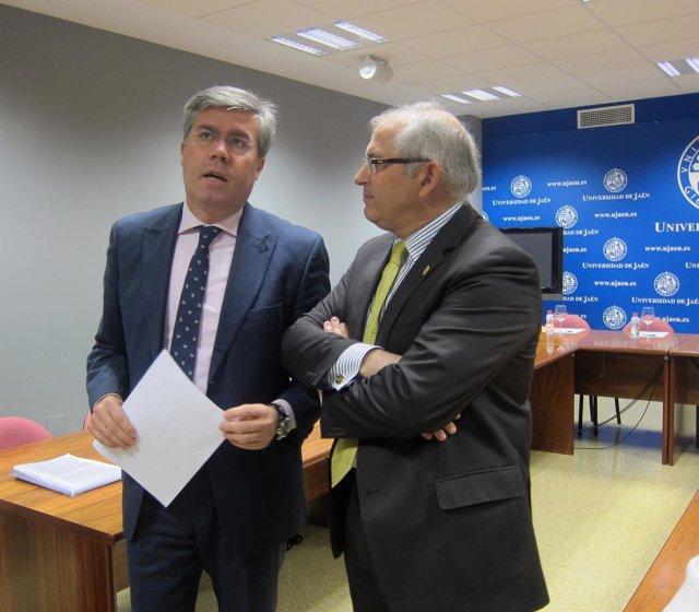 Fernández de Moya y Parras antes de reunirse para analizar el nuevo PGOU de Jaén