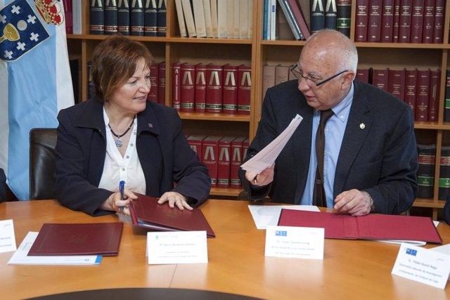 A conselleira de Sanidade, Rocío Mosquera Álvarez, e o reitor da Universidade de