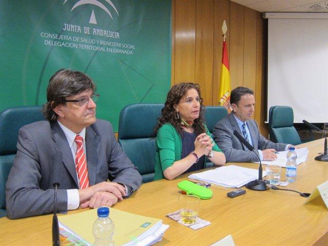 La consejera de Salud, María Jesús Montero, en Granada.