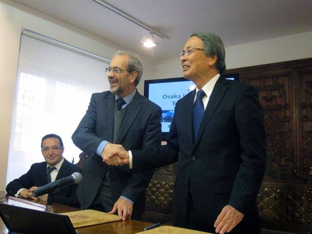Daniel Hernández y Yoshikazu Nishikawa