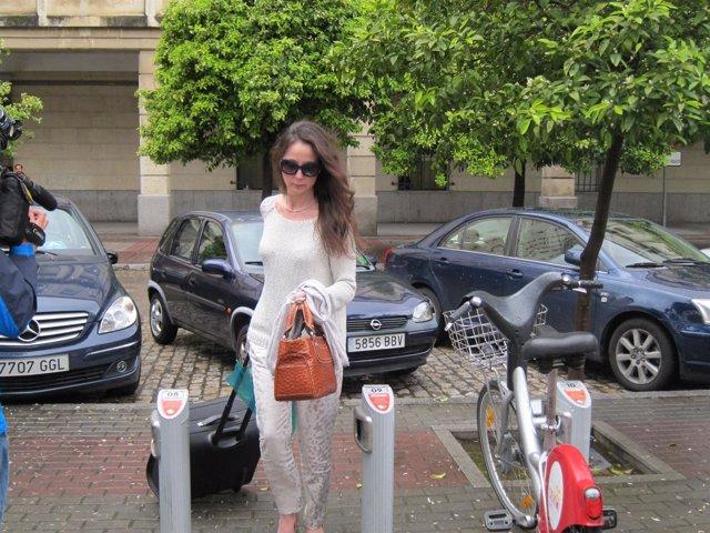 La juez Mercedes Alaya a su salida de los juzgados de Sevilla