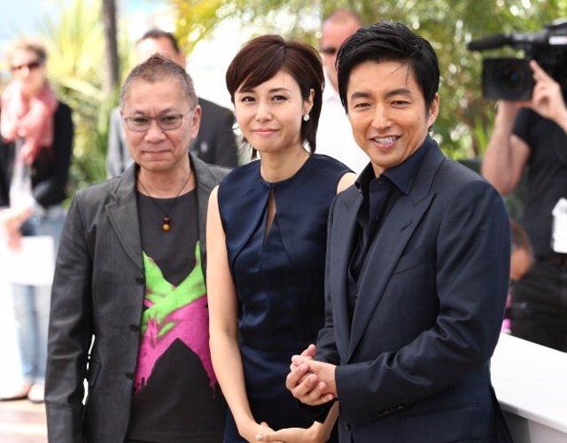 Takashi Miike con los actores Nanako Matsushima y Takao Osawa
