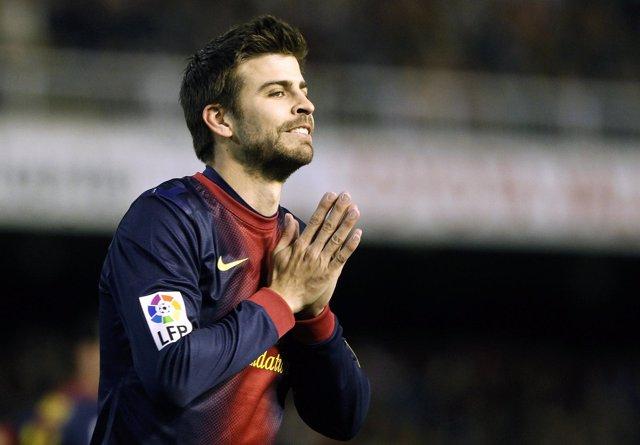 Gerard Pique en el duelo entre el Valencia y el Barcelona