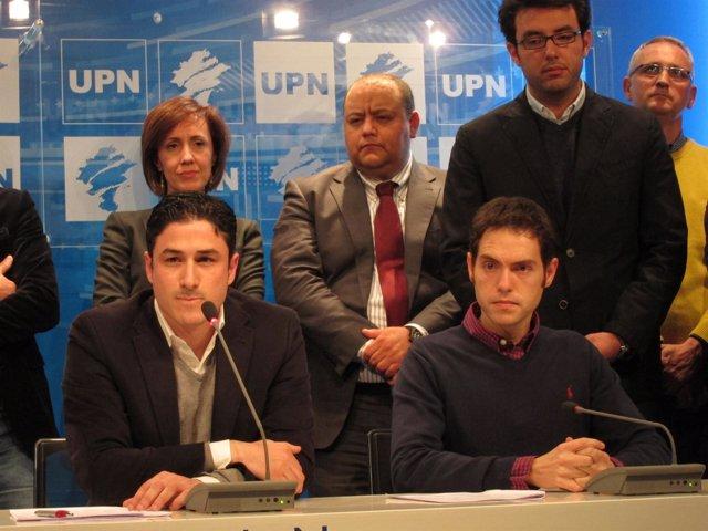 Oscar Arizcuren junto a Sergio Sayas en la rueda de prensa