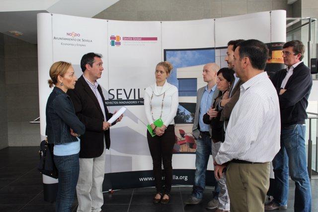 Juan Espadas y Susana López en el crea con emprendedores