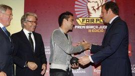 """Xavi: """"Los valores me los ha enseñado el club pero sobre todo mis padres"""""""