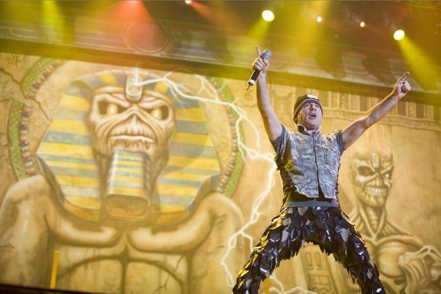 El cantante de Iron Maiden, Bruce Dickinson