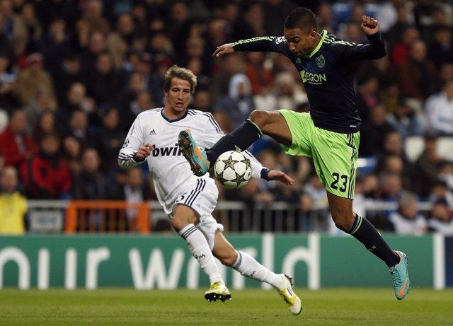 Fabio Coentrao, del Real Madrid, contra el Ajax