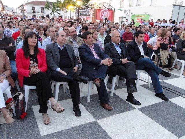 Chaves, Reyes y Zarrías en el homenaje a Relaño