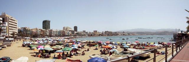 La Playa De Las Canteras Vista Desde La Zona De La Puntilla