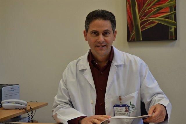 Doctor Eduardo Martínez de Dueñas