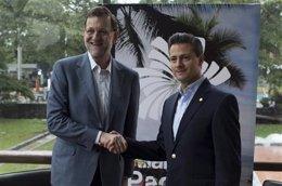 Rajoy y el presidente de México, Enrique Peña Nieto, hablan del acuerdo de Pemex