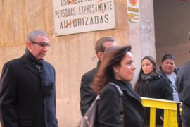 """Castro insta a Torres a no presentar más correos que impliquen """"una intromisión en la intimidad ajena"""""""