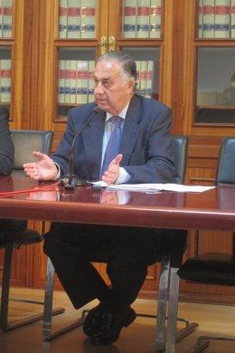 Enrique Pérez Viguera.