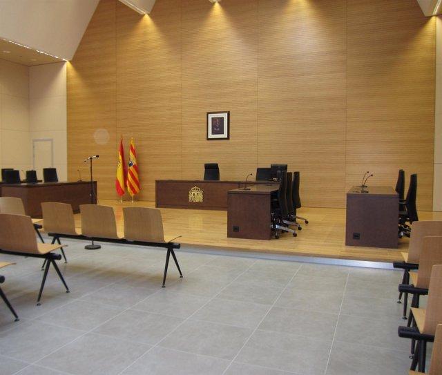 Una de las nuevas salas de la Ciudad de la Justicia de Zaragoza