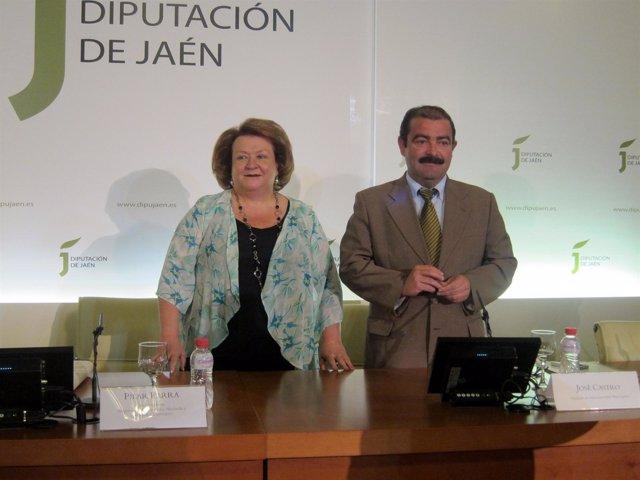 Pilar Parra y José Castro, antes de la rueda de prensa.