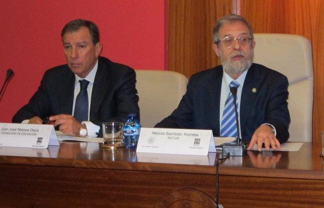 Juan José Mateos, y el rector Marcos Sacristán