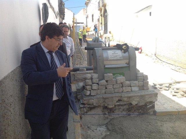 Valderas visita obras del PFEA en Aguilar de la Frontera