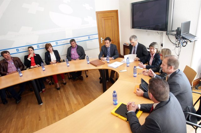 Reunión entre Francisco Conde, Rosa Quintana, Alimentos Lácteos y cooperativas