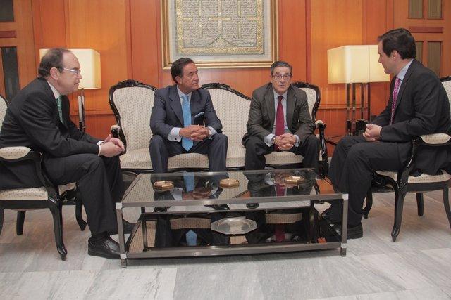 Reunión de los miembros de CajaSur con el alcalde de Córdoba
