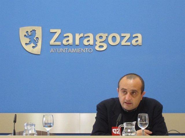 El concejal del grupo municipal de IU, Raúl Ariza