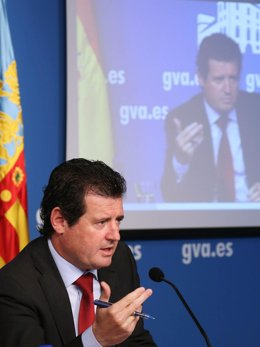 José Císcar en la rueda de prensa posterior al pleno del Consell