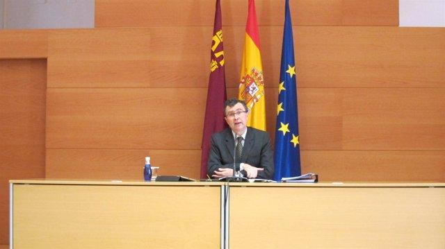 José Ballesta en la rueda de prensa posterior al Consejo de Gobierno