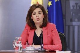 Santamaría, tras las palabras de Garzón, dice que todo el que tenga derecho al sufragio puede entrar en política