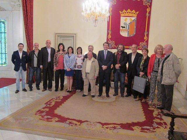 El alcalde de Salamanca junto a los poetas