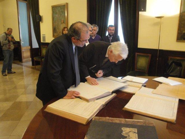 Joan Reñé (Diputación de Lleida) y el conseller Ferran Mascarell.