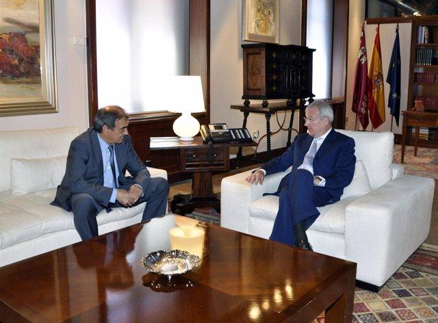 El presidente de Ucomur, Juan Antonio Pedreño, con Valcárcel