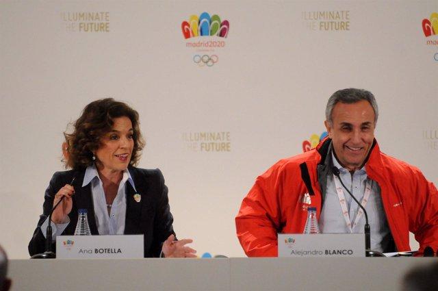 Ana Botella y Alejandro Blanco en la rueda de prensa