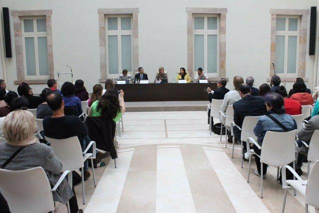 El Parlament acoge la Mesa Europea de Paz de ciudadanos colombianos