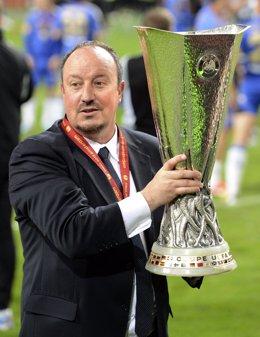 Rafa Benítez con la Europa League