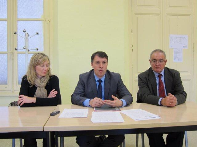 Rosell, Bosch y Abárzuza, de JpD, en la rueda de prensa