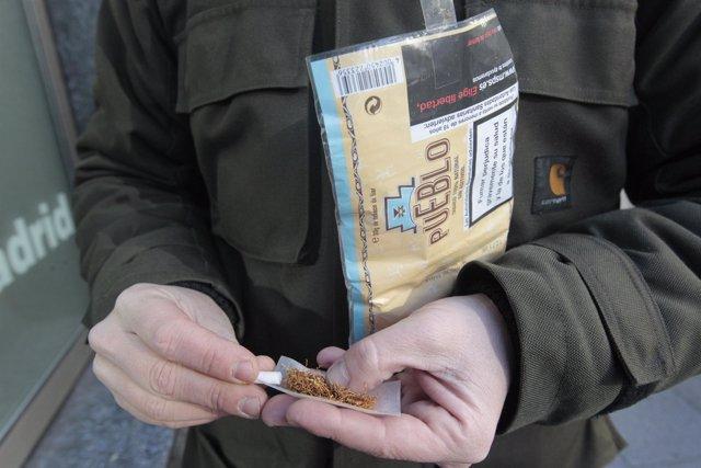 El tabaco de liar sube su consumo frente a los cigarrillos clásicos