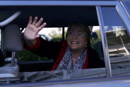 """Oponente de Bachelet dice que el 50% de los partidos que la apoyan son """"chavistas"""""""