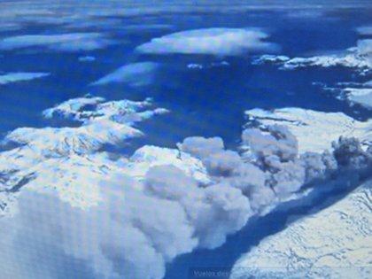 Evacúan a 800 personas por peligro de erupción del volcán Copahue
