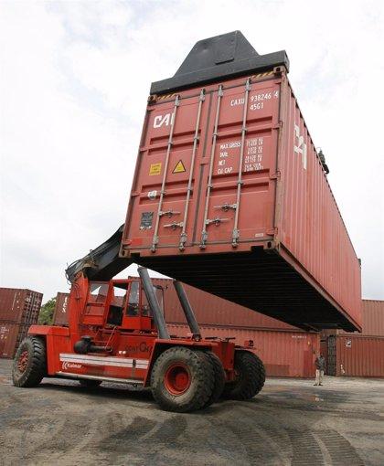 México.- El déficit de la balanza comercial suma en abril 1.225 millones de dólares