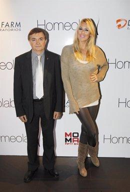 Carolina Cerezuela y el doctor Rafael Torres