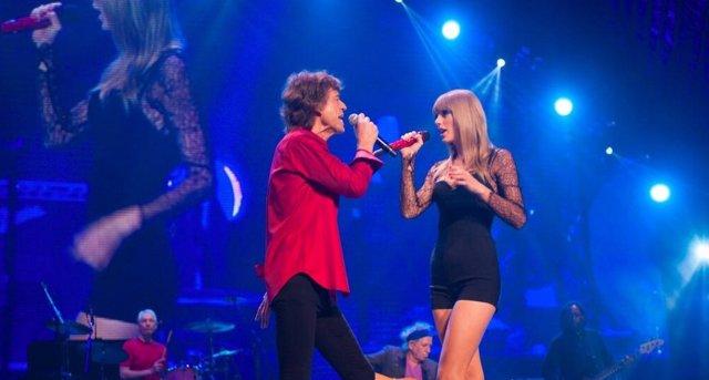 Mick Jagger y Taylor Swift en una presentación en Chicago del 3 de junio