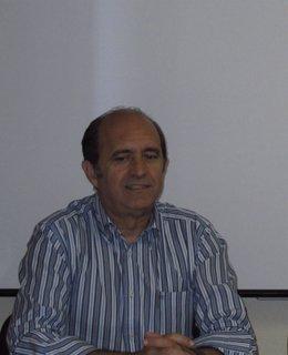 Antonio Gutiérrez presenta su candidatura a presidir el Colegio de Médicos