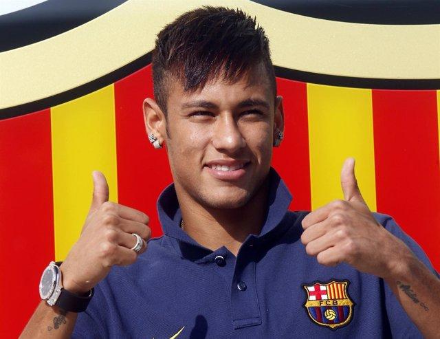 Neymar en su presentación con el Barcelona