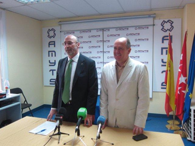 El secretario general y vicesecretario general de AMYTS en rueda de prensa