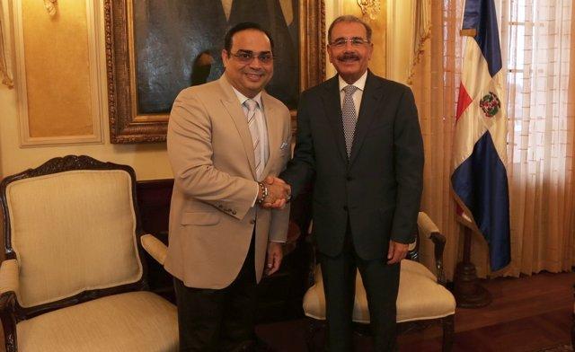 Danilo Medina y Gilberto Santa Rosa