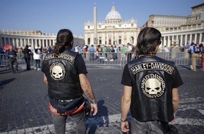 El Papa bendice a cientos de moteros y sus Harley-Davidson en el Vaticano